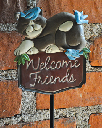 welcome friends wall hanging